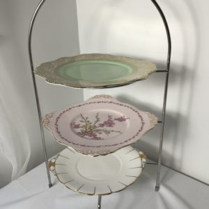 "Chrome 3 x tier Cake Stand with 10"" Vintage Plates"